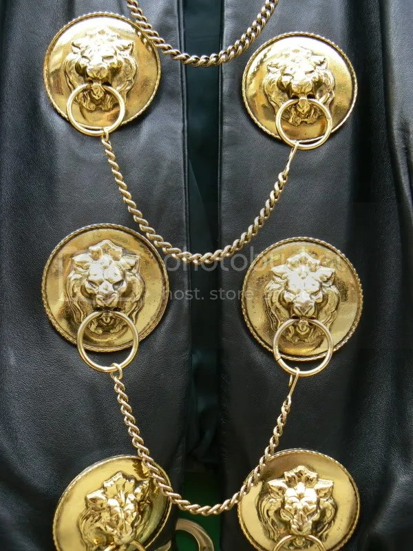 Zone7style Vintage Moschino 1989 Gold Chain Lion S Head