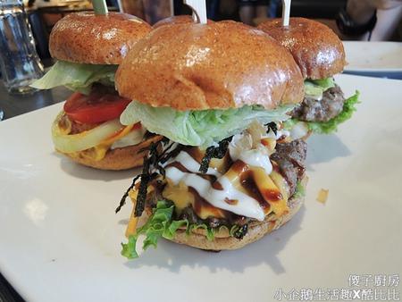 食記‧台中美食|獨特創新口味的美式漢堡《傻子廚房》
