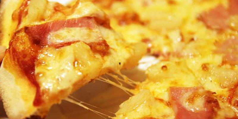 員林。美食|【PIZZA ROCK搖滾披薩 員林店】員林新的披薩店專賣店 不只披薩還有帕尼尼起司三明治  焗烤麵