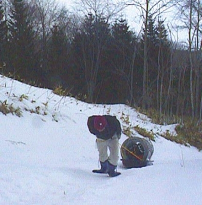橇での荷揚げ ツライ!