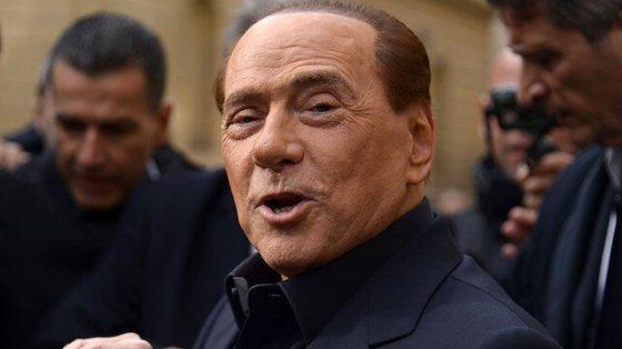 Ο ογδόντα τετράχρονος πρώην πρωθυπουργός της Ιταλίας Μπερλουσκόνι υπέγραψε κοροναϊό