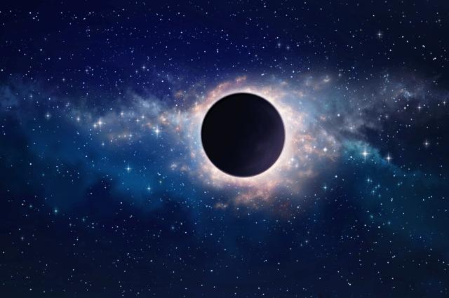 A partir de 2007, se ha dado inicio a una serie de experimentos de interferometría para poder medir el tamaño del agujero negro supermasivo que se ubica en el centro de la Vía Láctea.-