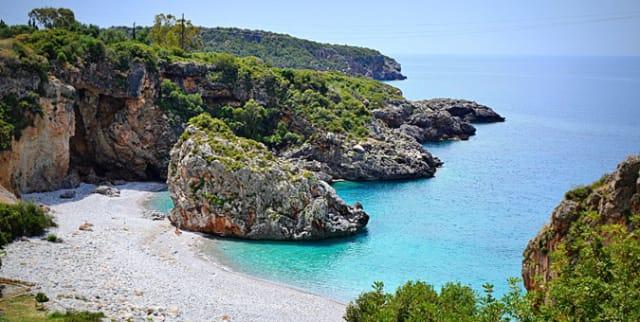 Μεσσηνιακή Μάνη: 7 παραλίες για φίλημα