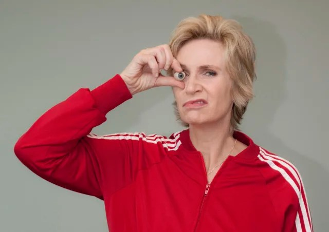 Sue Sylvester de Glee, interpretada por la actriz Jane Lynch.-