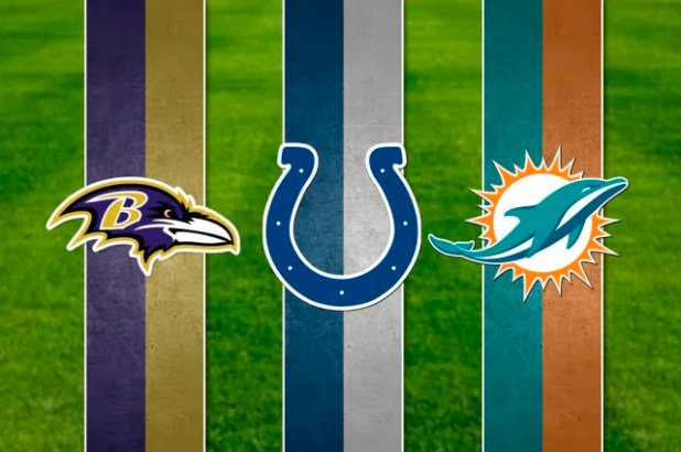 Los Cuervos de Baltimore (XLVII, XXXV), los Potros de Indianapolis (XLI, V) y los Delfines de Miami (VIII, VII), con 2 victorias, empatan en el quinto lugar de la lista. Los Dolphins ostentan los récords como el equipo que menos puntos anotó en un Super Tazón tanto como ganador (14 en 1973), así como en el puesto del perdedor (3 puntos en 1972).