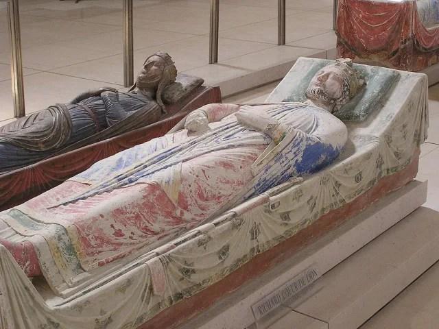 Efigie de Ricardo I de Inglaterra en su tumba en la Abadía de Fontevraud, en Francia.-