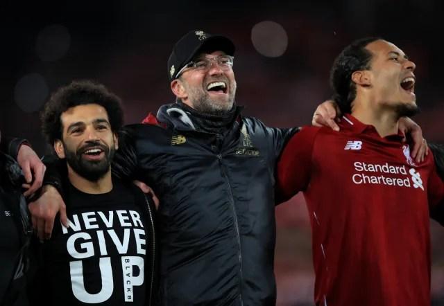A vitória por 3 a 0 no Camp Nou complicou a vida do Liverpool. As ausências de Salah e Roberto Firmino complicaram ainda mais a vida da equipe de Klopp. Até que brilharam as estrelas dos reservas Origi e Wijnaldum, e os Reds conseguiram mais uma virada épica de Champions. (Foto: Getty Images)