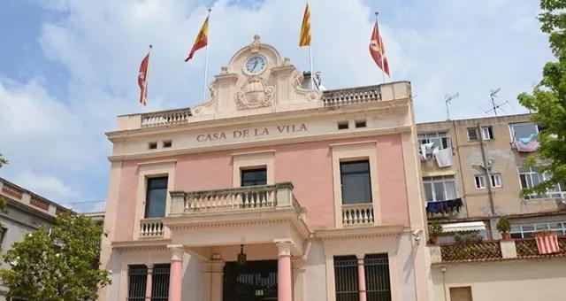 L'alcaldessa, Ana Maria Martínez, va anunciar l'aturada del pagament de  totes les taxes, impostos i tributs municipals  durant la vigència de l'estat d'alarma, a més d'una ampliació del fons de contingència en 100.000 euros (de 150.000 a 250.000).