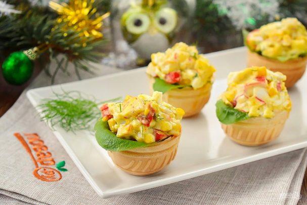 novogodnii salat v tartaletkah 459353 - Christmas salad in tartlets