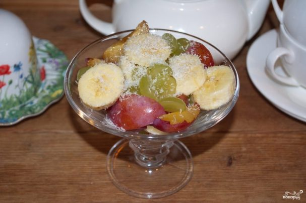siroedcheskii salat iz fruktov 222785 - Raw food fruit salad