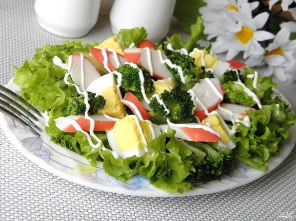 salat s brokkoli i krabovimi palochkami 270054 - Salad with broccoli and crab sticks