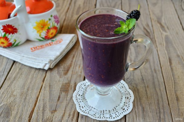 smuzi s shelkovicei 407785 - Smoothie with mulberry