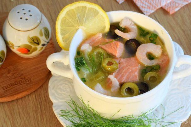 slivochnii sup s lososem i krevetkami 408023 - Creamy soup with salmon and shrimp