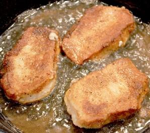 Отбивные из свинины на сковороде - фото шаг 6