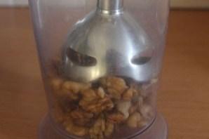Баклажаны с орехами и сыром - фото шаг 2