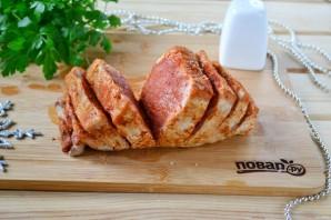 Мясо, запеченное с хурмой, яблоком и луком - фото шаг 4
