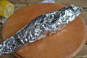 Запеченная скумбрия в фольге с морковью - фото шаг 6