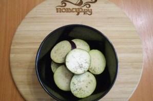 Жареные баклажаны с помидорами и чесноком - фото шаг 3