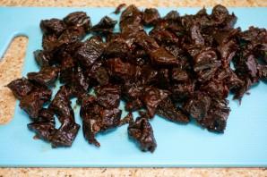 Салат из курицы и чернослива - фото шаг 4