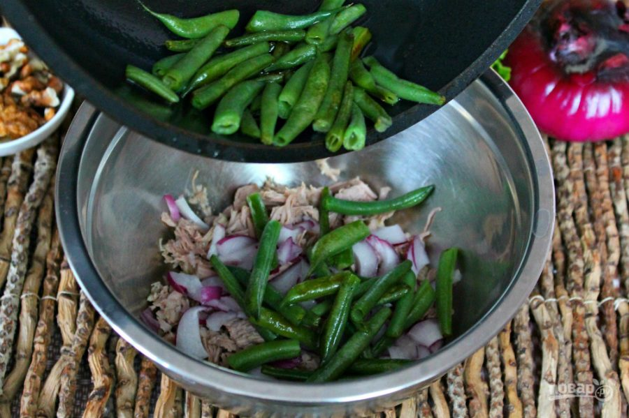 Салат из говядины с фасолью