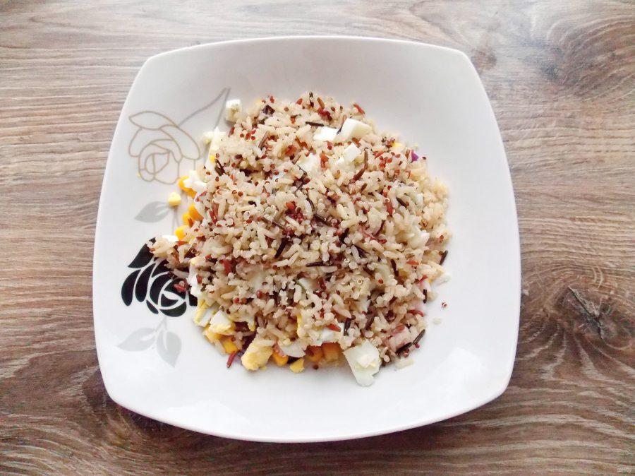 Салат с щупальцами кальмара