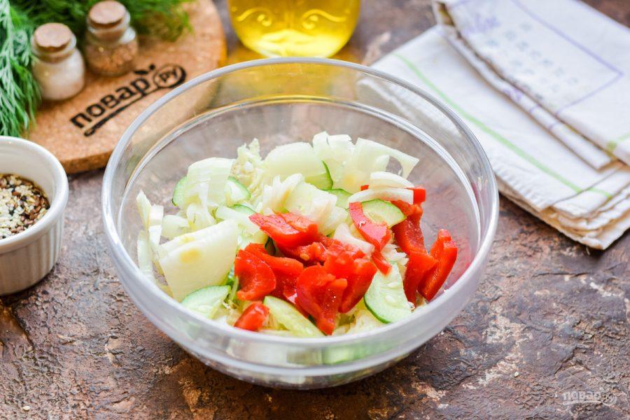 Салат с морской и пекинской капустой