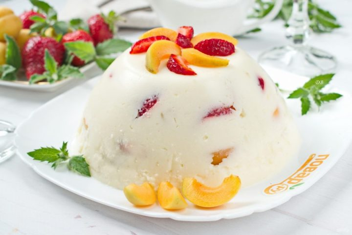 Желейный торт «Абрикосы в сметане»
