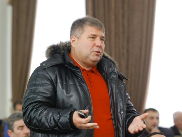 Валерій Пєший – один з організаторів дерибану із правом підписання актів права власності на землю (ліс)