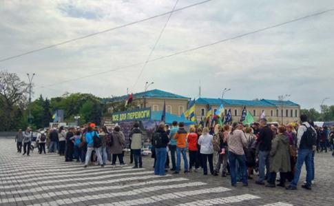 Харків: суд дозволив залишити намет волонтерів у центрі міста