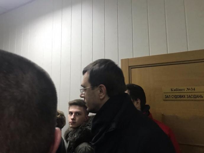 Підтримати Супрун прийшов міністр інфраструктури Володимир Омелян