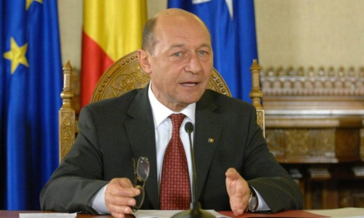 N-ai cum sa-l uiti pe Basescu!