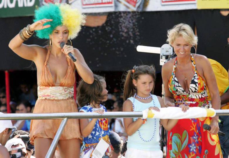 Sasha também adora Ivete e frequenta os show da cantora desde pequena+ Xuxa aprende a surfar com o campeão Gabriel Medina> Acesse o R7 Play e assista na íntegra a todos os programas da Record! Clique e experimente de graça!