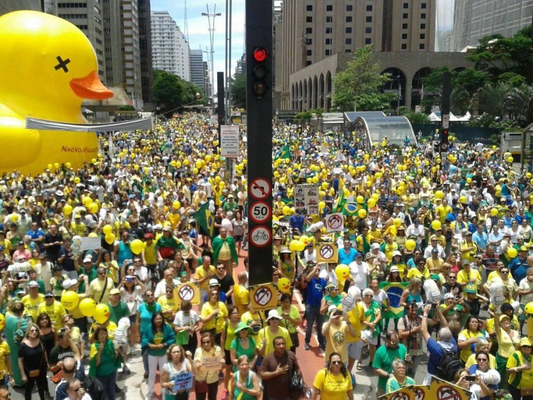 Manifestações de 2013 e pró-impeachment foram marcos para a direita