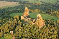 El castillo de Trosky, foto: Zdeněk Fiedler, CC BY-SA 3.0 Unported