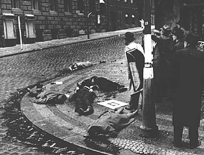 https://i2.wp.com/img.radio.cz/pictures/historie/cro1945a.jpg