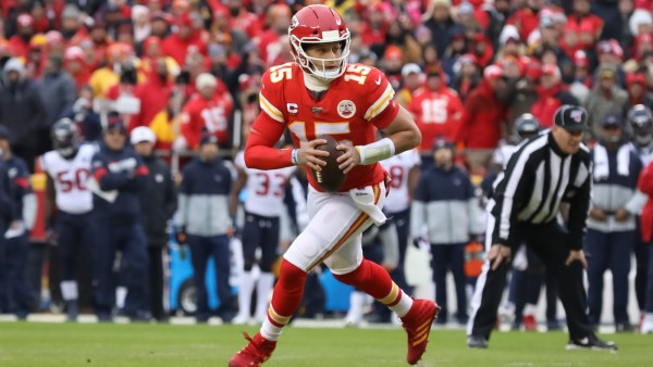 WATCH: Chiefs and Packers advance from play-offs