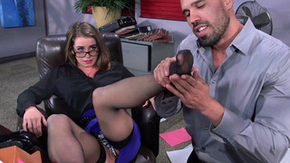 Bunny Freedom letting him_massage her pretty little feet porn image