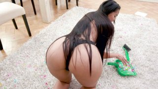 Long haired_Andreina Deluxe is cleaning the floor porn image