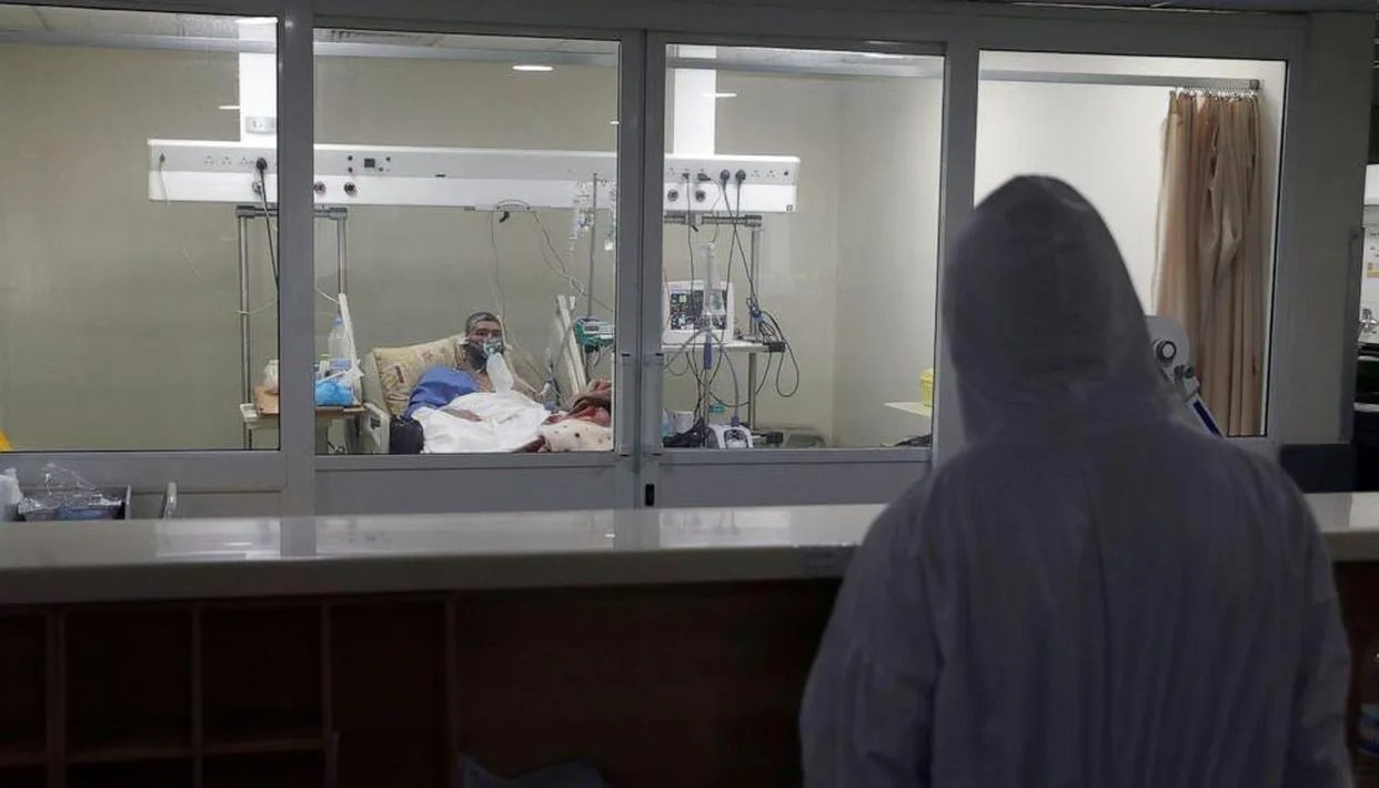 The best Lebanese hospitals struggle against the virus