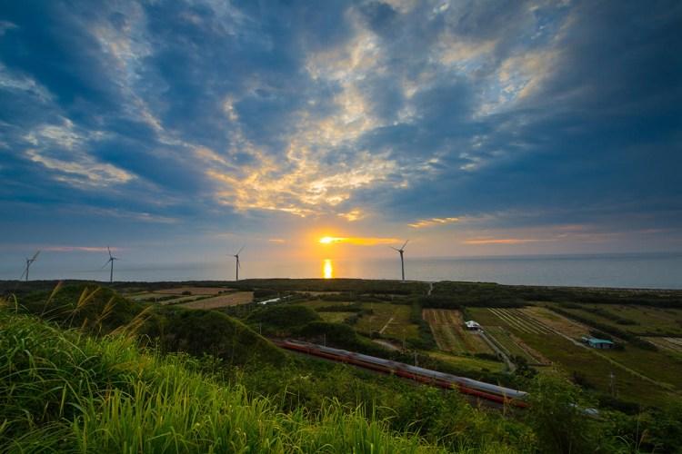 苗栗》後龍好望角 海景步道 情侶親子聖地 |風力發電風車|Instagram 熱門打卡點
