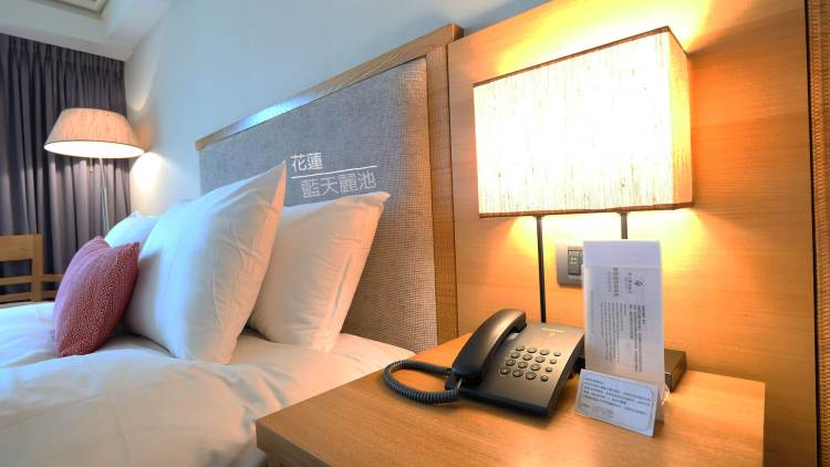 花蓮住宿》近市區超便利 藍天麗池飯店 AZURE HOTEL – 兒童主題房、寵物旅館