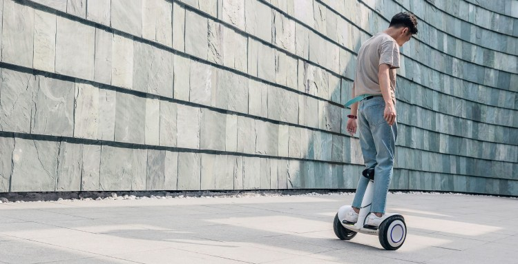 評測》 代步新玩具 小米九號平衡車 Plus 可遙控、自動跟隨 一個形影不離的新夥伴