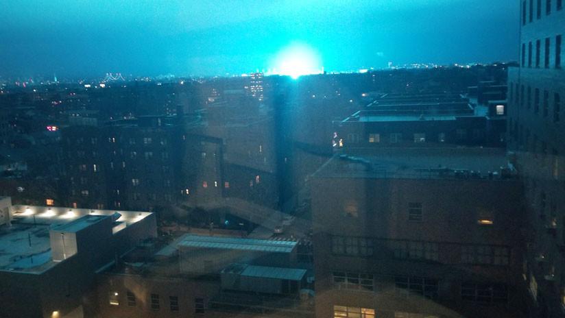 """""""No fueron extraterrestres"""": Una misteriosa luz azul ilumina el cielo de Nueva York (VIDEO, FOTOS)"""