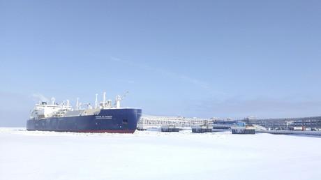 Ice-breaking tanker Christophe de Margerie is docked in Arctic port of Russia © Reuters / Olesya Astakhova