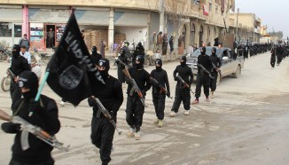 Foto: Desfilada militar de ISIS a la ciutat de Al-Rakka a Síria
