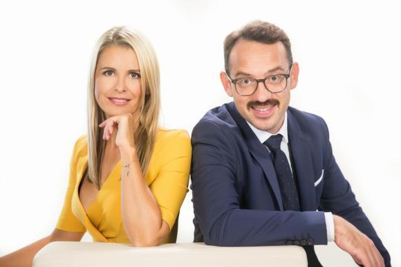 Bernarda Žarn in Jože Robežnik, voditeljski par nedeljski popoldnevov. Foto: Žiga Culiberg