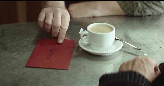 Los cortos cuentan cómo les cambia la vida a los vecinos del bar de Antonio
