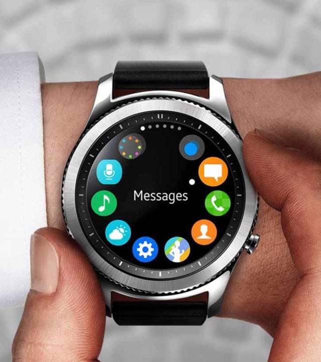 La pantalla de 1,3 pulgadas permite una configuración Always On Watch. SAMSUNG