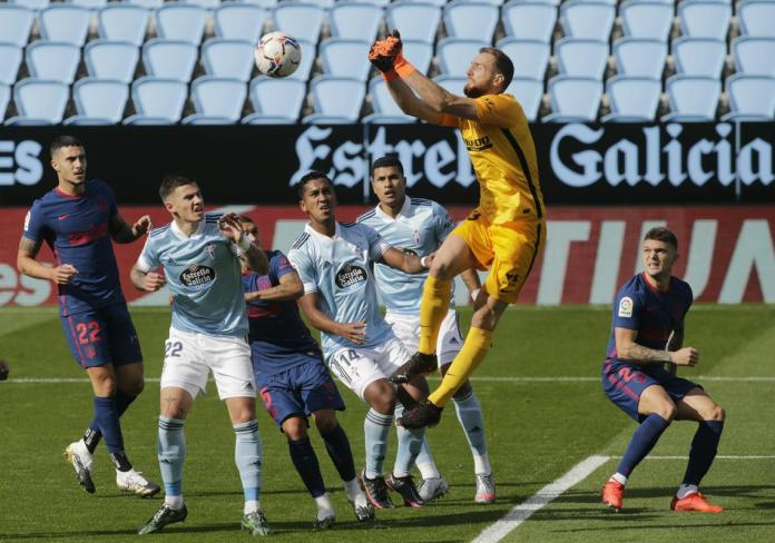 The ratio of shots on goal in the match Celta - Atletico was 5: 4, but Jan Oblak defended all attempts of the Galicians.  Photo: www.alesfevzer.com