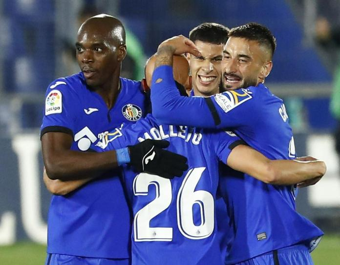 The Getafe players are looking forward to the victory over Barcelona, ​​with which they tied with Real at the top of the table.  Photo: Reuters